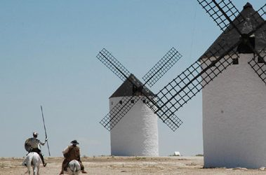 Donde se cuentan las razones que pasó Sancho Panza con su señor Don Quijote con otras aventuras dignas de ser contadas.
